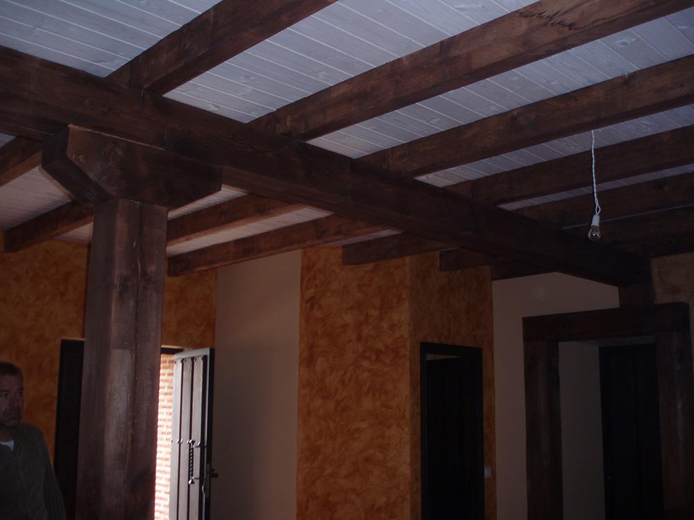 Techo en madera teñida